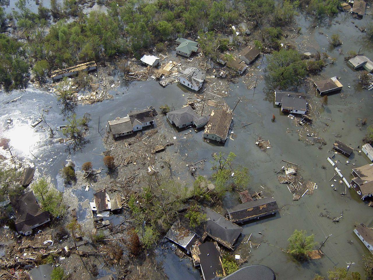 1280px-Katrina-port-sulphur-la-2005